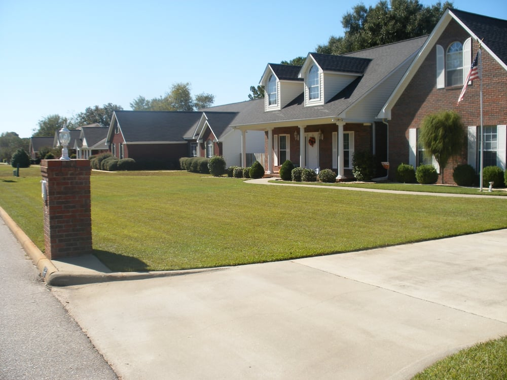 Cannon Lawn Care: Dothan, AL