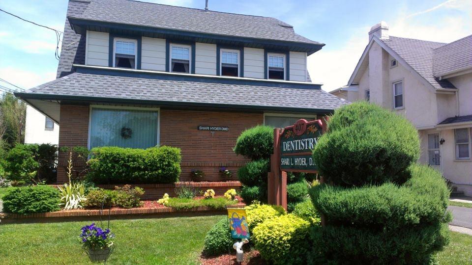 Shari L Hyder, DMD: 407 White Horse Pike, Oaklyn, NJ