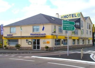 Hotel Restaurant Le Point Du Jour La Roche Sur Yon