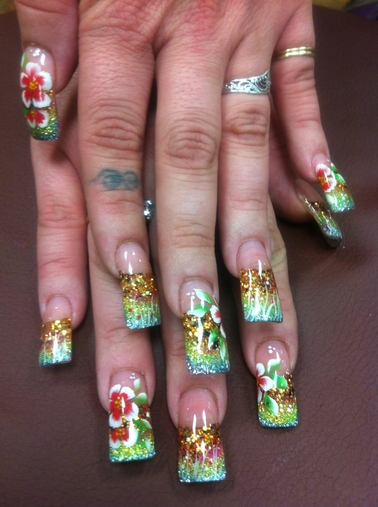 La'Queen Nails & Spa: 433 N Main St, Manteca, CA