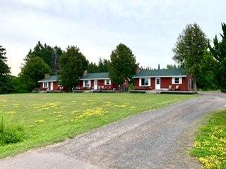Siskiwit River Cabins: 22545 State Hwy 13, Cornucopia, WI