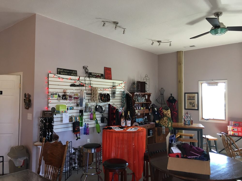 Madison County Winery: 10942 S 400th E, Markleville, IN