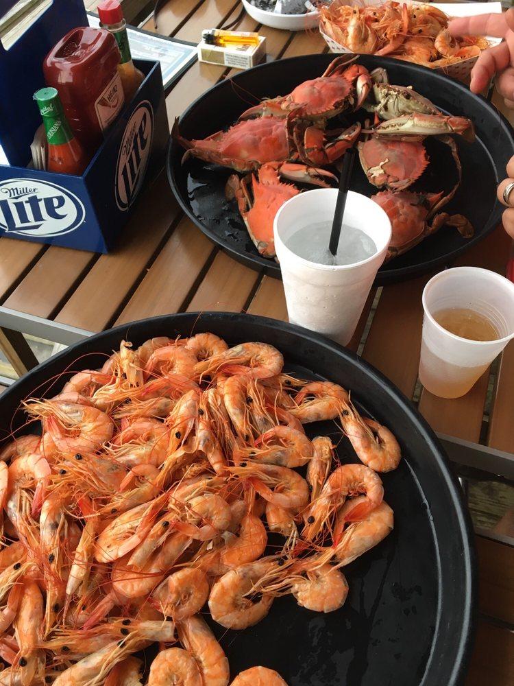 Crawgators Bar and Grill: 237 Sports Marina Rd, Venice, LA