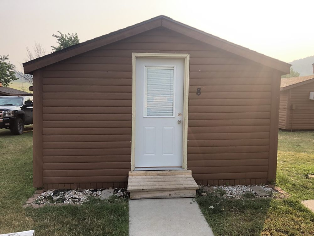No Name City Luxury Cabins & RV: 20899 Pleasant Valley Dr, Sturgis, SD