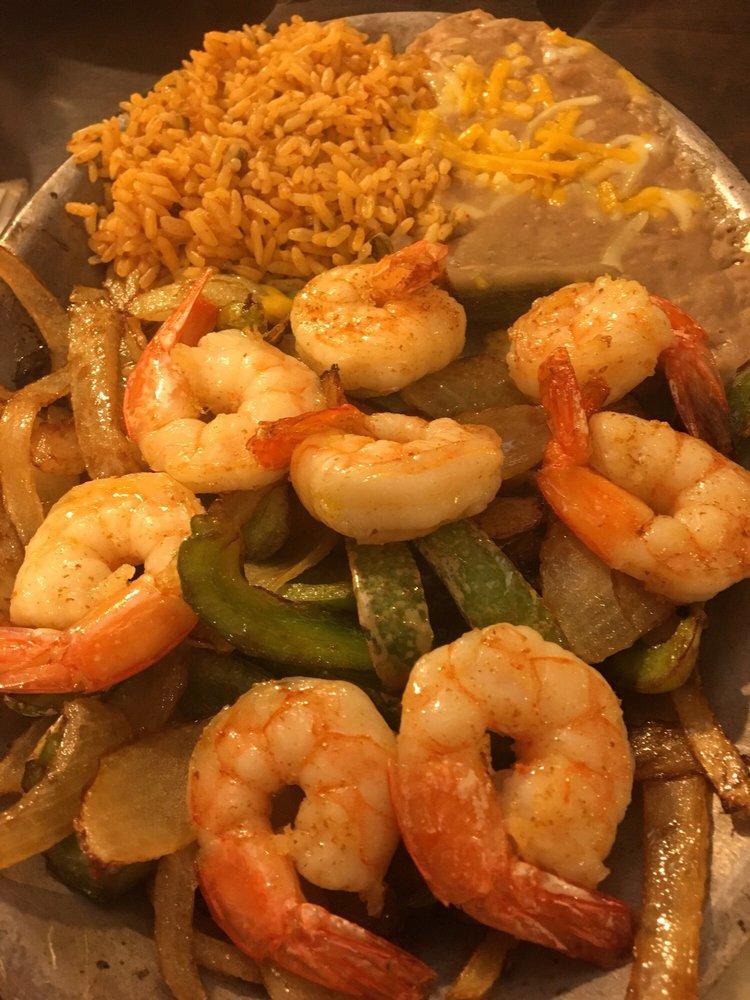 Monterey House Restaurant: 1090 S 11th St, Beaumont, TX