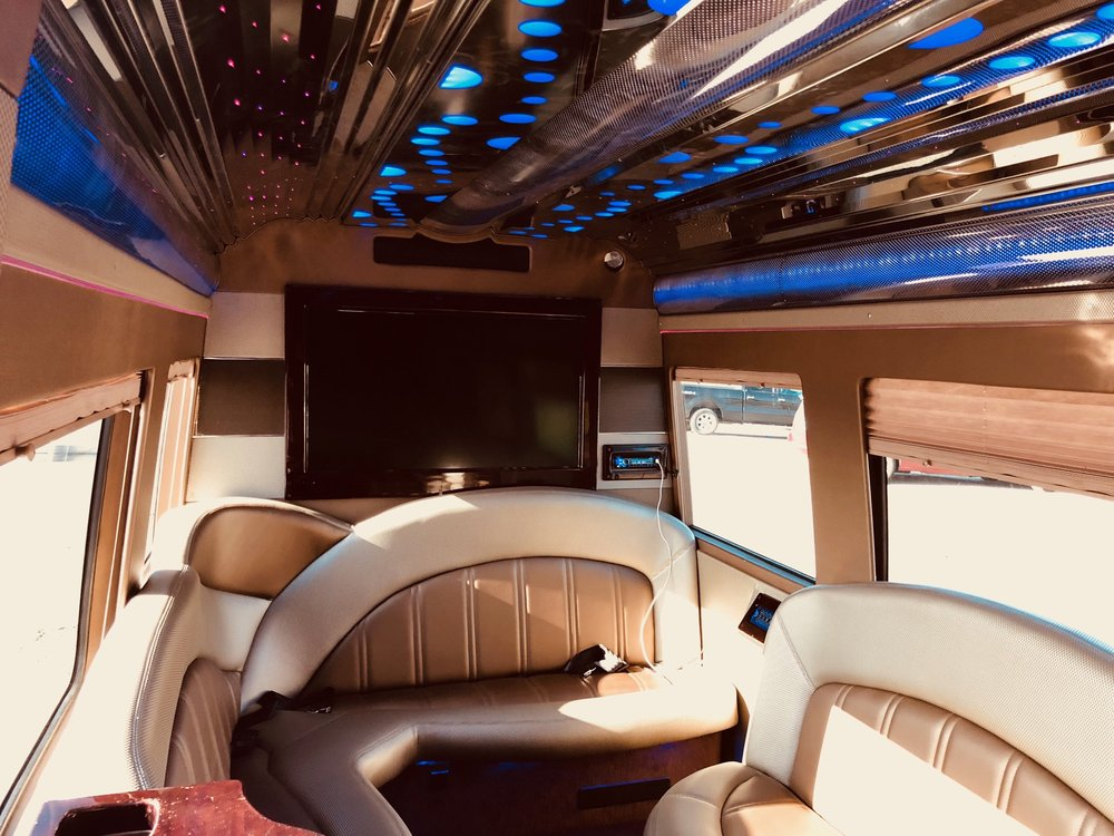 Premium Transportation Services: 10801 Pear Tree Ln, St. Ann, MO