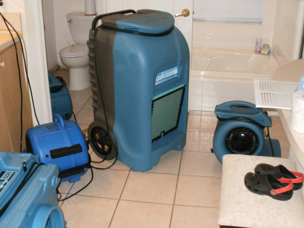 Chris' Carpet Service and Water Restoration: Largo, FL