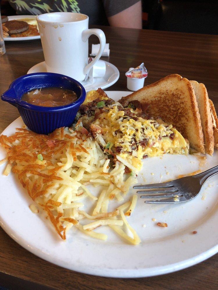 Mary-Kay's Country Diner: 806 N El Camino Crossing, San Augustine, TX