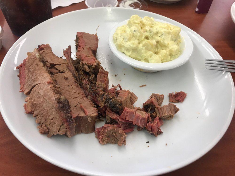 Rik Rak's Grill & Smokehouse: 112 E Trower Blvd, Mannford, OK