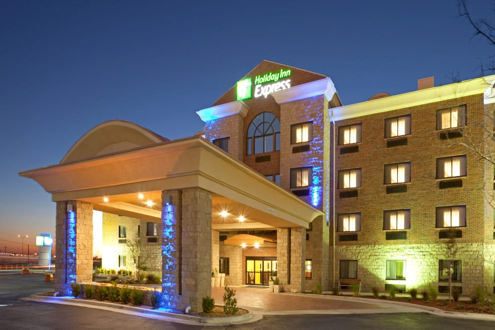 Holiday Inn Express & Suites Lubbock West: 6023 45th St, Lubbock, TX