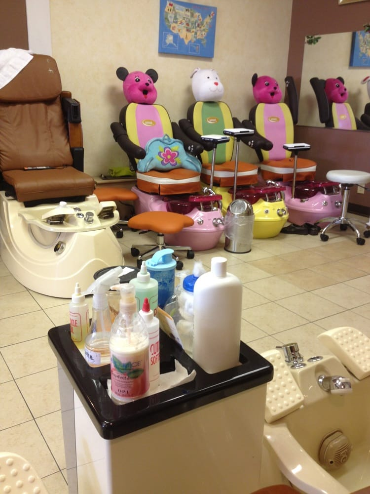 T Spa Nails - CLOSED - Nail Salons - 17145 Southcenter Pkwy, Tukwila ...