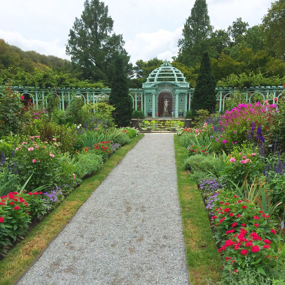 Old Westbury Gardens Ny: Beautiful Garden