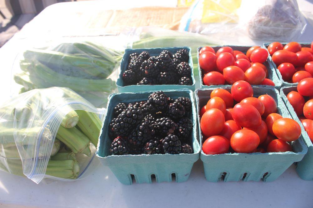 Boone County Farmer's Market: 2300 Bernadette Dr, Columbia, MO