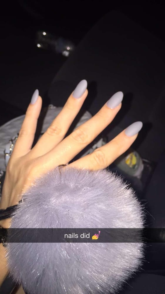 Ask for the owner, Jennifer, she does amazing acrylics :) - Yelp