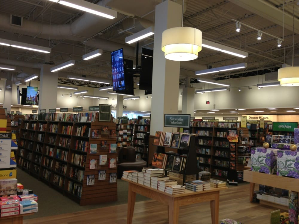 Barnes Amp Noble 13 Reviews Bookshops 1220 Carl D