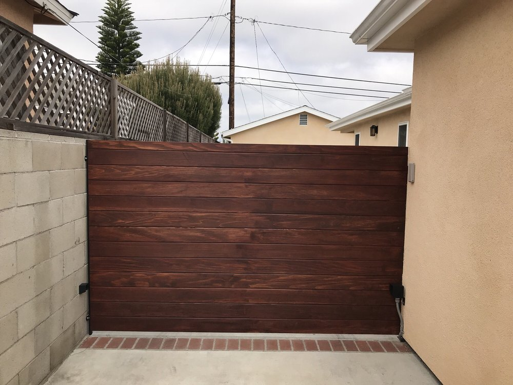 Access control garage door & electric gates - 24 Fotos & 11 Beiträge ...