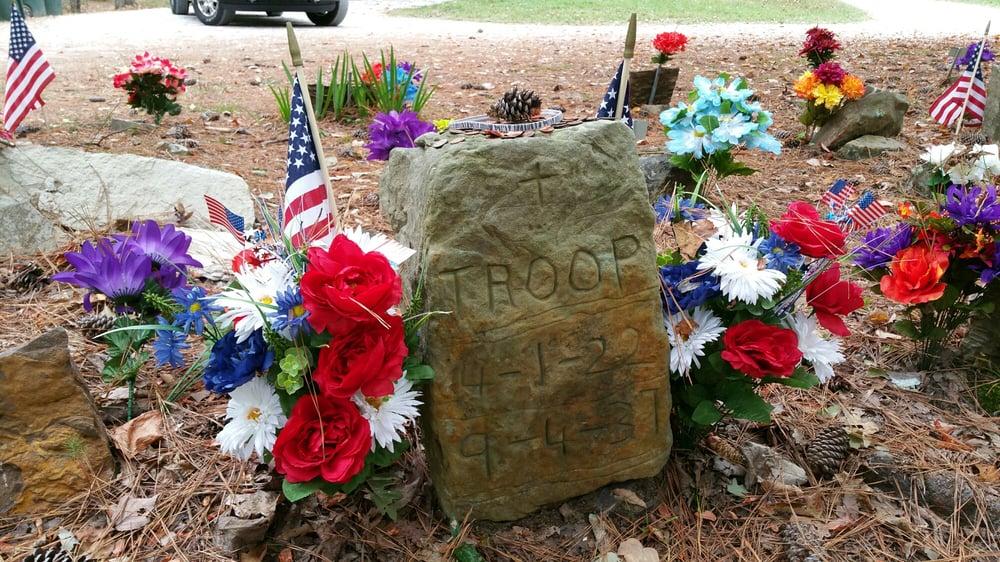 Coon Dog Cemetery: 4945 Coondog Cemetery Road, Cherokee, AL