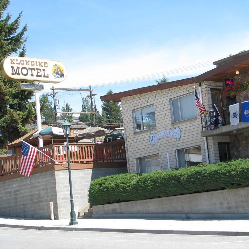 Klondike Motel: 150 N Clark St, Republic, WA