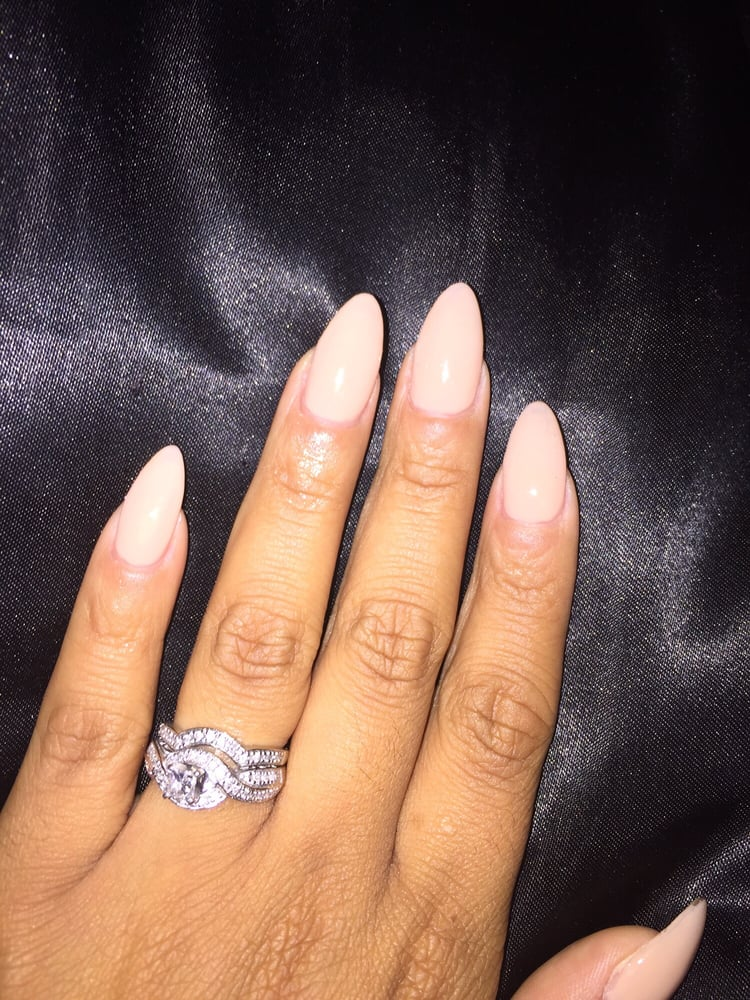 Almonds nail shape w/ OPI Samoan Sand nail polish - Yelp