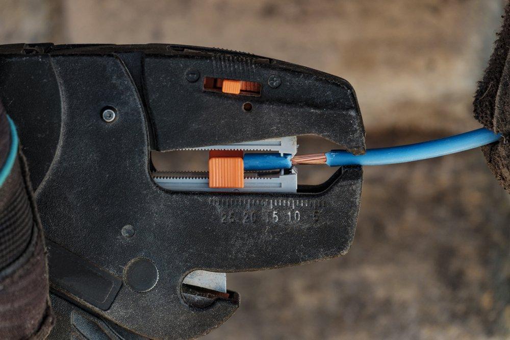 Snapper Electric: 2104 Winstone Ct, Darlington, MD