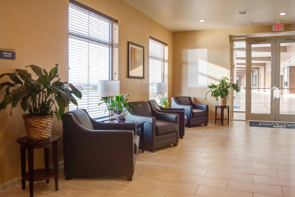 Cobblestone Hotel & Suites - Jefferson: 771 Wild Rose Rd, Jefferson, IA