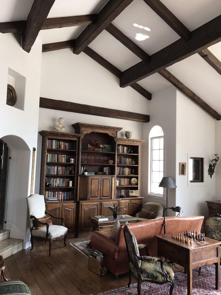 Chateau Du Sureau: 48688 Victoria Ln, Oakhurst, CA