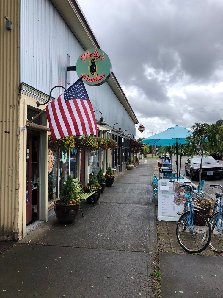 Molly's Market: 290 S 1st St, St. Helens, OR