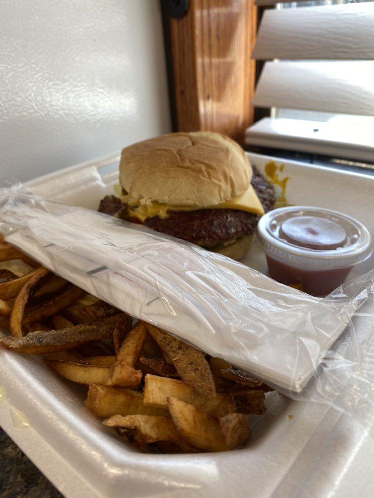 Bell's Burger Barn - Triple B: 203 E Market St, Mabank, TX