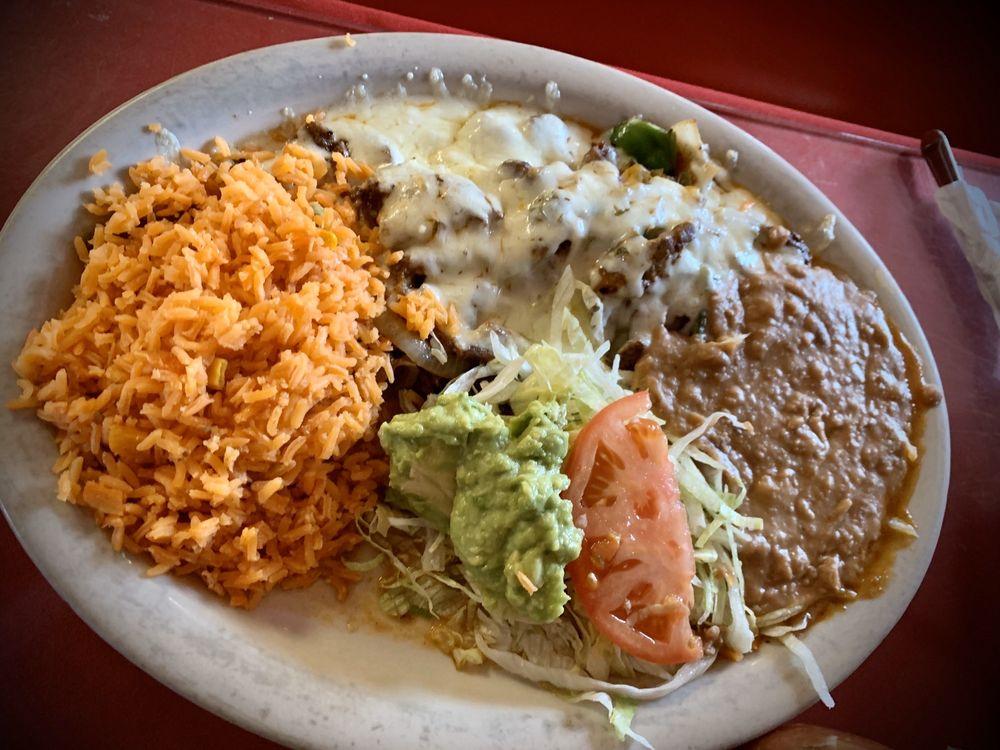 Taqueria Jalisco: 743 State Hwy 173 S, Devine, TX