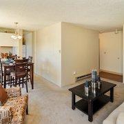 College Crest Apartments - 23 Photos - Apartments - 1555 NE Merman ...