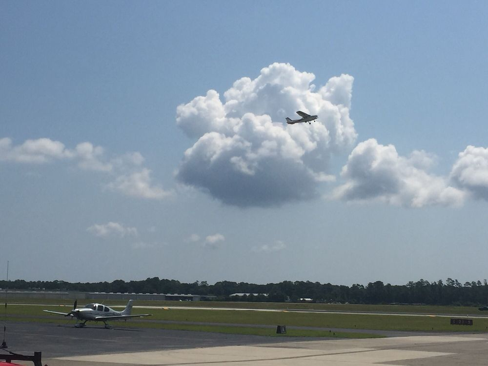 Dare County Regional Airport: 410 Airport Rd, Manteo, NC