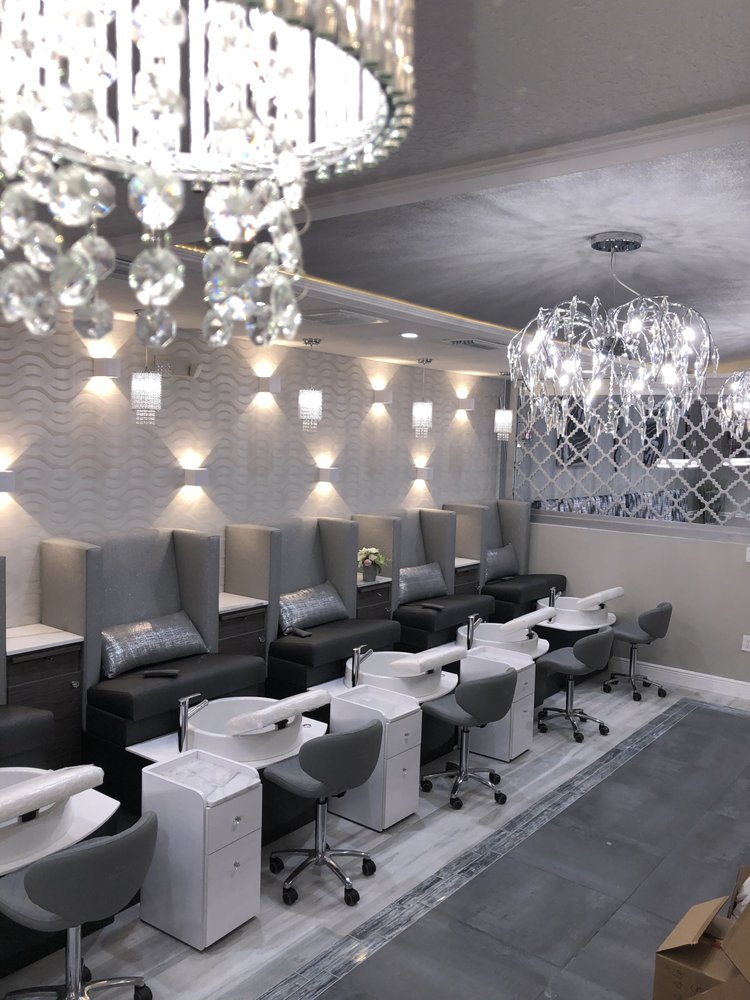 Tre Nail Lounge: 11011 Countryway Blvd, Tampa, FL