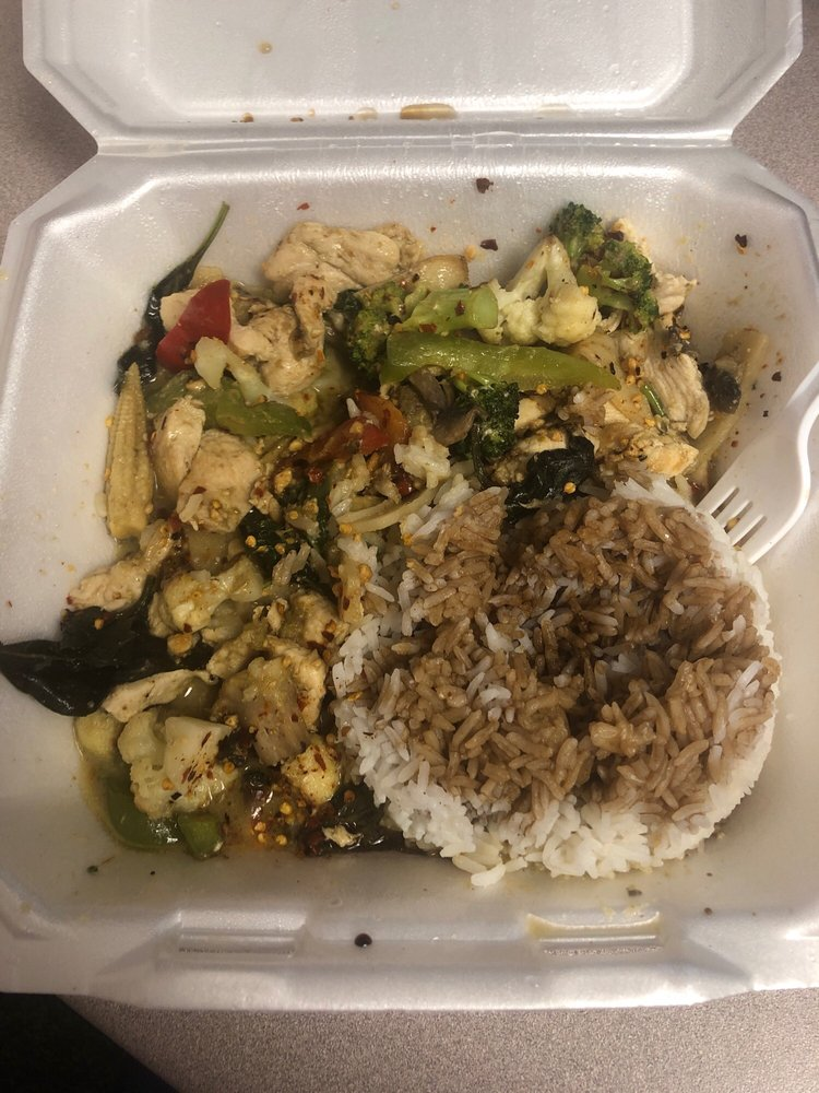 Food from Lil Thai House