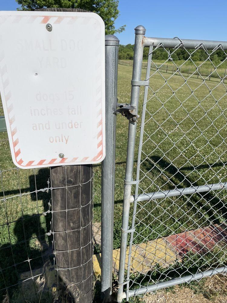 Cheyenne Off-Leash Dog Park: 1500 Cedar Bend Ln, Ely, IA
