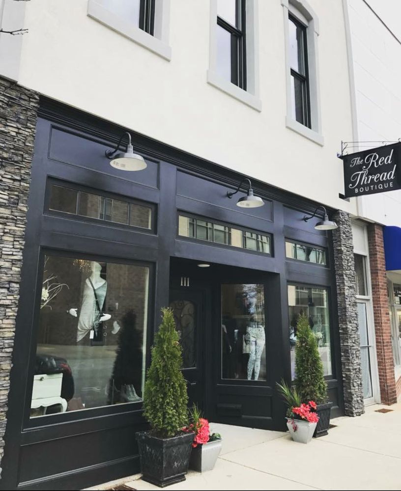 The Red Thread Boutique: 111 W Jefferson Ave, Effingham, IL