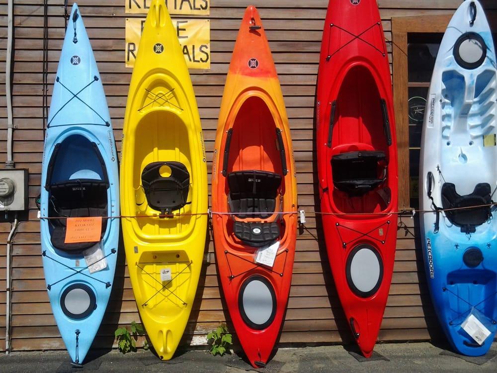 Village Sport Shop: 511 Broad St, Lyndonville, VT