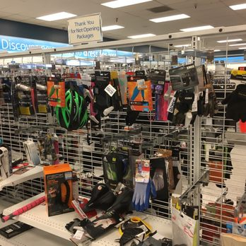 Ross Stores, Inc. corporate website. Home of Ross Dress for Less and dd's Discounts.