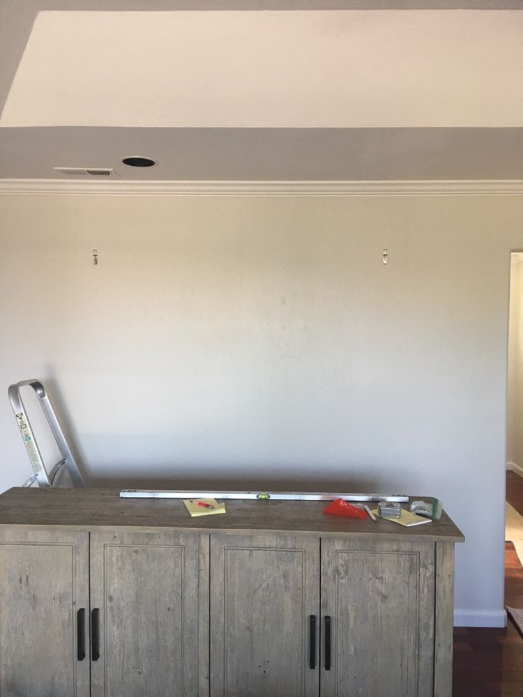 Laying out a wall to hang a very large mirror - Yelp