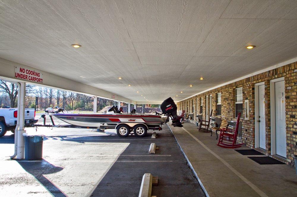 Burnin' Stump Lodge: 9530 W Fm 515, Alba, TX