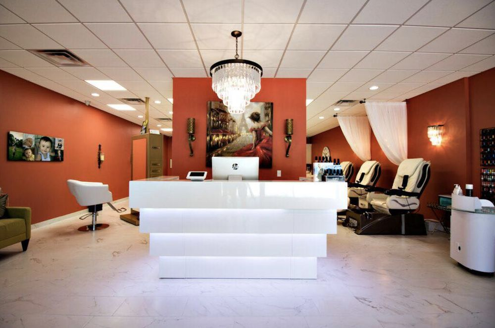 Ooh LaLa Salon and Spa: 849 Cox Creek Pkwy, Florence, AL