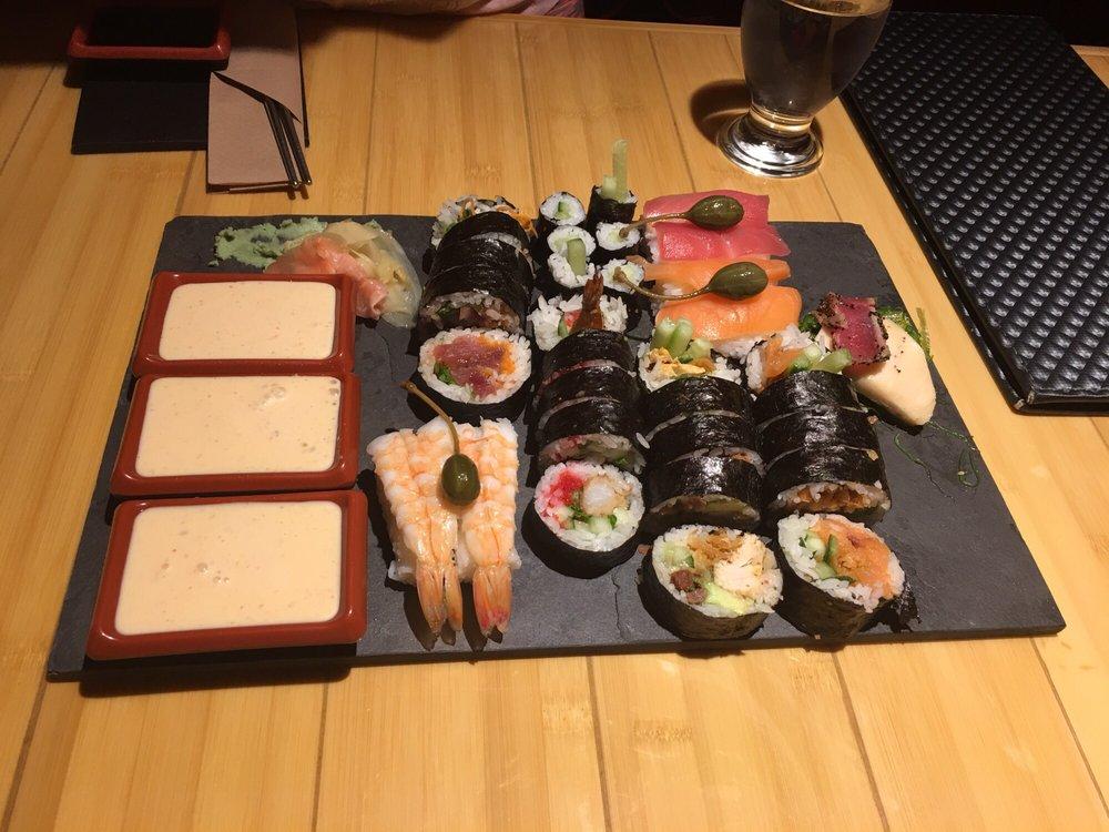 Sushi World Restaurant