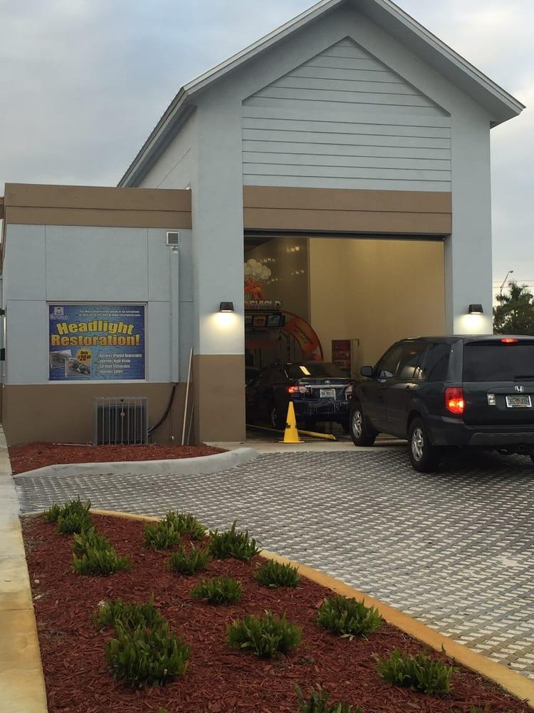 El Carwash: 12170 SW 8th St, Miami, FL