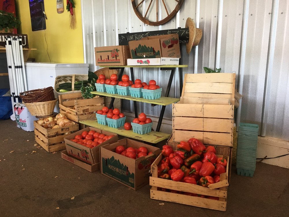 Todd and Shelly's Farm Fresh Produce Market: 5625 SE Abshier Blvd, Belleview, FL