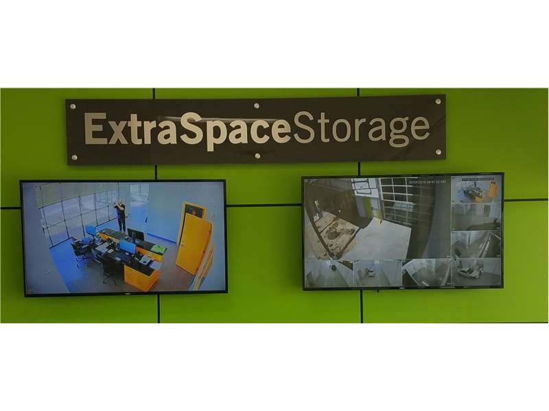Extra Space Storage: 1750 Hwy 36 W, Roseville, MN