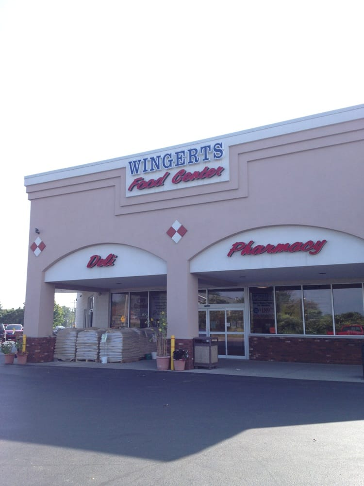 Wingert's Food Center: 315 E Main St, Mayville, MI