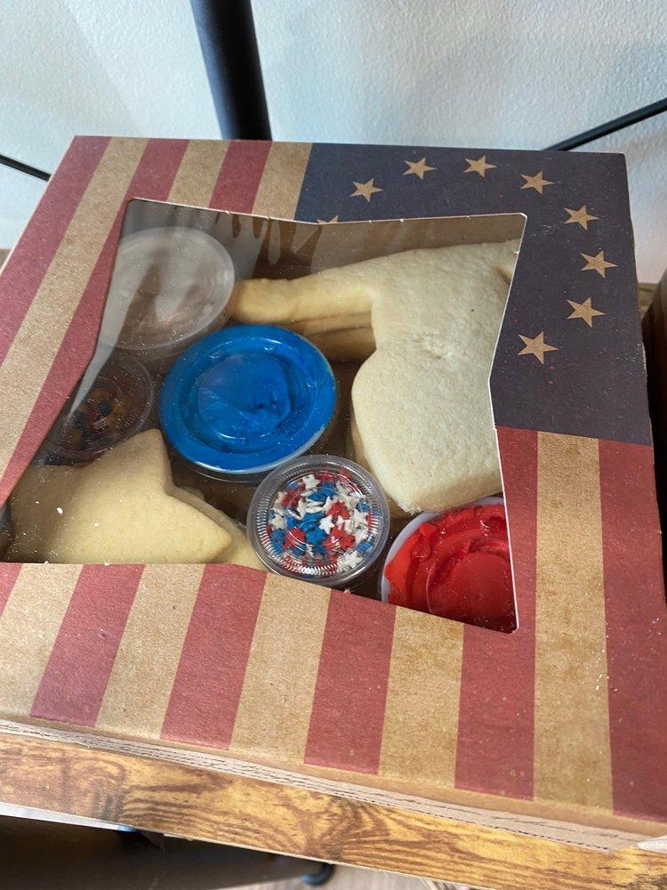 Jen's Bakery: 5050 Timber Pkwy S, Fargo, ND