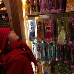 negozi giocattoli disney roma