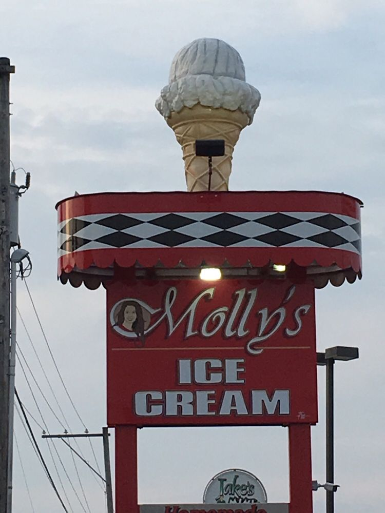 Molly's Ice Cream: 1548 N Center Ave, Somerset, PA