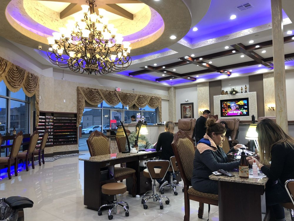 Resort Nail Salon: 2242 Fort Worth Ave, Dallas, TX