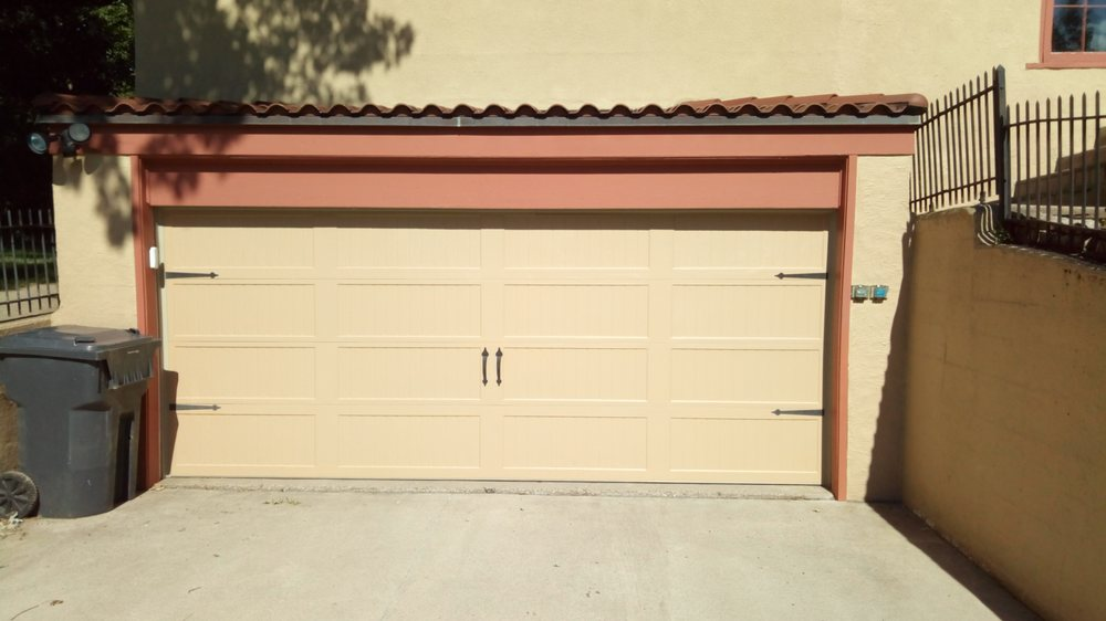 Shawn's Garage Door Repair, Sales & Service: 3618 Stone Ave, Sioux City, IA